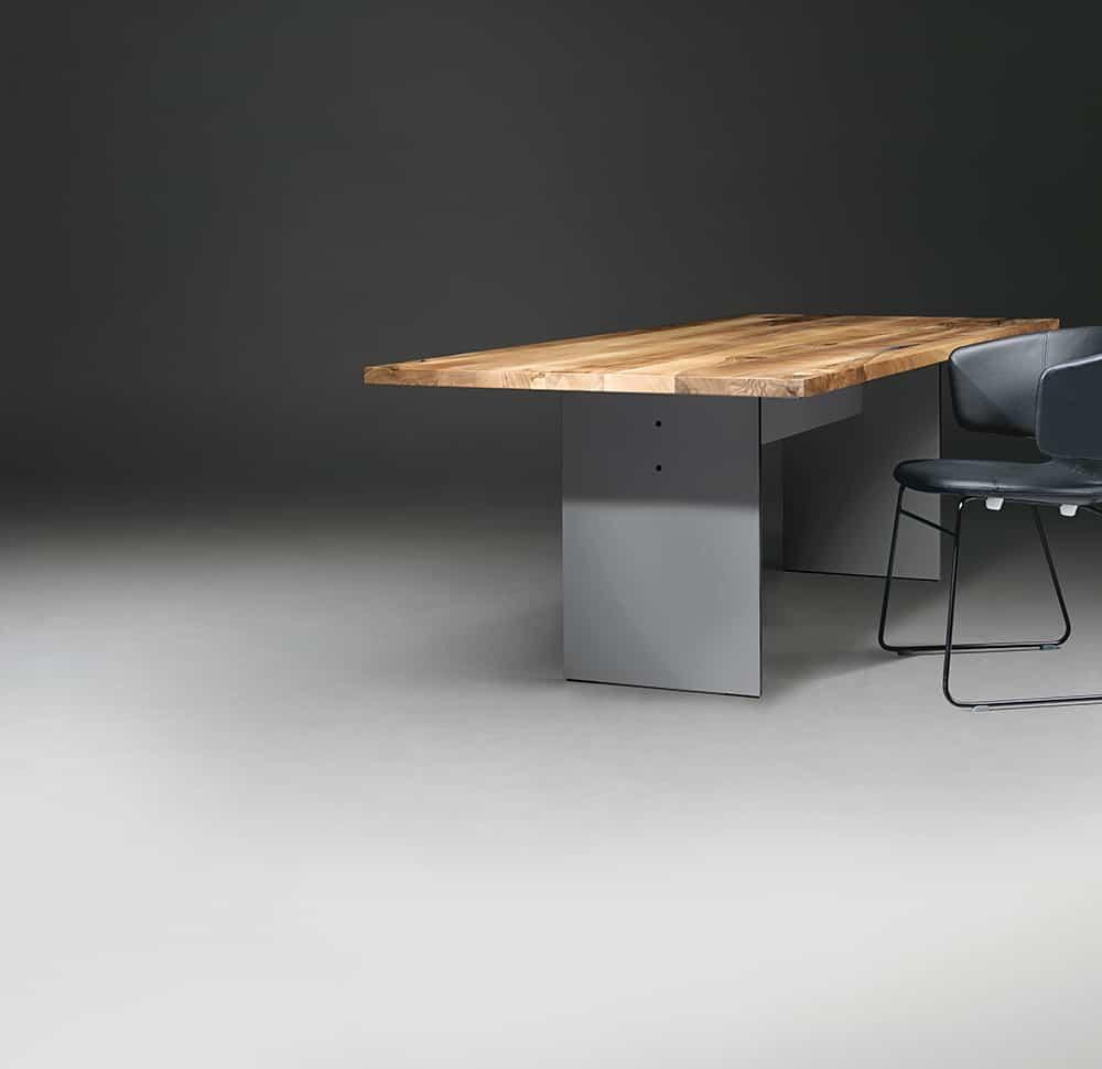 Staciakampis valgomojo stalas mediniu stalvirsiu SC42
