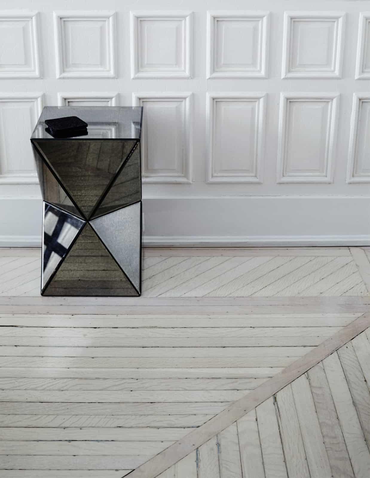 Stilingas interjeras Brukline su prostoria sofa Match
